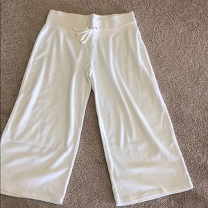 White Xhilaration terry cloth capris size M